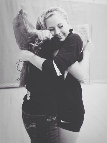 Hugs Truefriendship - ILoveYou.♡ Blackandwhite