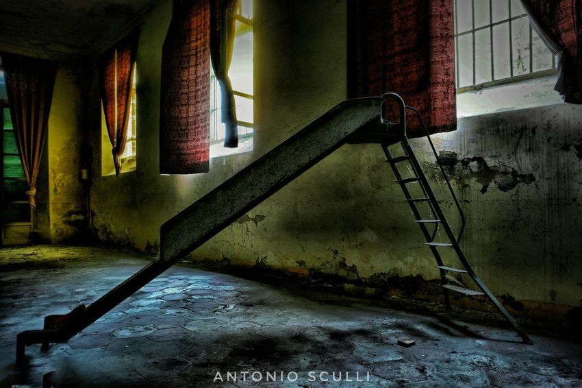 I luoghi dell'abbandono... Abandoned Total_abandoned Ig_abandoned Abandonedplaces Abandonedhouse Abandon_seekers_#infinity_unguarded#urbex Abandoned_excellence Abandoned_earth Ig_urbex Abandon_seekers Abandonedexcellence#ascosi_lasciti#underworld_exploration SamsungNX500 Samsung Luoghiabbandonati Italia Piemonte Decai_illife Decai E_i_a Tesoriabbandonati Ei_abandonment Urbexworld Italy Kings_abandoned Indoors  Architecture Water Window Built Structure Dirty No People