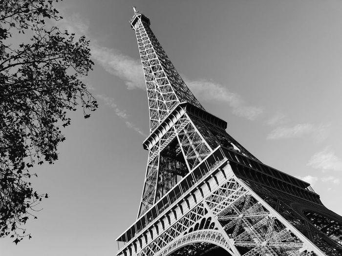 Tower Eiffel Tower Landmark Paris Romantic City Cityscape Architecture History Historic Historical Building Minimalism Minimal Blackandwhite Geometric Shape Sky Tourism Low Angle View Built Structure Tall - High Travel Destinations Travel Metal Outdoors Building Exterior