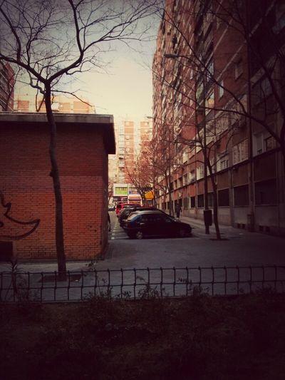 pasando por el Barrio