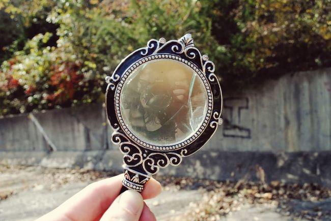 Magnifying Glass Relfection Self Portrait Kinda Cool Creative Life Nature Spillway Graffiti Fall Colors Autumn