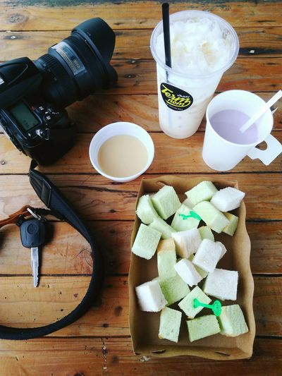 Sweet dessert Milk Ice Milk Hot Milk Bread Meal Table DSLR Camera Key Hot Cup Delicious Drinks Tabletop Table Wooden Thailand Chon Buri Dessert Sweet