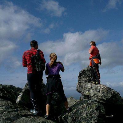 900 meters down... Mountain Ilovenorway Ilovenorway_m øreogromsdal Sunnm øre visitnorway droidedit visitalesund worldshotz fjord ic_landscapes utpåtur smpno mrtur