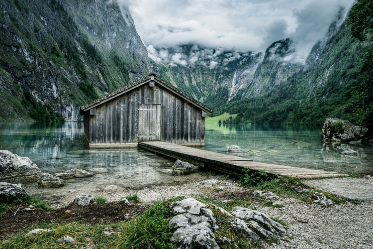 Atmospheric view of a boat house at obersee/königssee national park, berchtesgaden, bavaria, germany