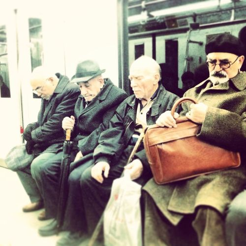 Last Stop! People Metro