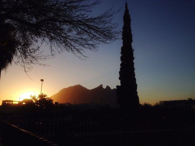 Monterrey Cerro De La Silla Tammyherz Amanecer En Mi Ciudad Paisaje Macroplaza