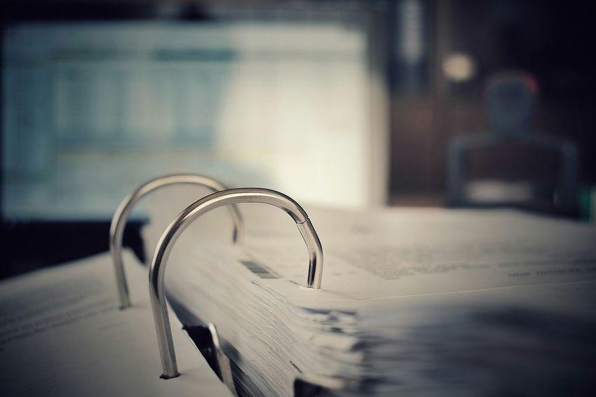 Office Ordner Ordnung Abheften Büro Arbeit Arbeiten Wet Focus On Foreground Close-up No People Day Water Indoors