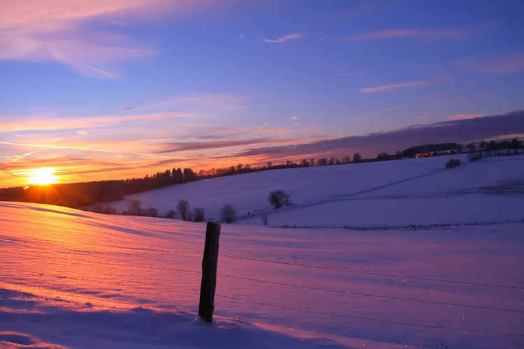 The Winter Sky - Afternoon Light Winter Snow Sky Cold Temperature Scenics - Nature Tranquil Scene Beauty In Nature Tranquility Sunset Cloud - Sky Environment Non-urban Scene Landscape Nature No People Covering Idyllic Land Field Afternoon Afternoon Sky Afternoon Light Wallpaper Wallpaper Background Backgrounds Background Germany GERMANY🇩🇪DEUTSCHERLAND@