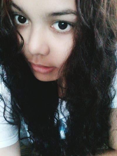 Curly Hair Don't Care Messy Hair Natural Hair Longdarkhair First Eyeem Photo Bigeyes