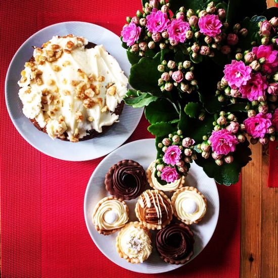 Breakfast and Flowers Carrotcake Cupcakes Colors Brussels Belgium