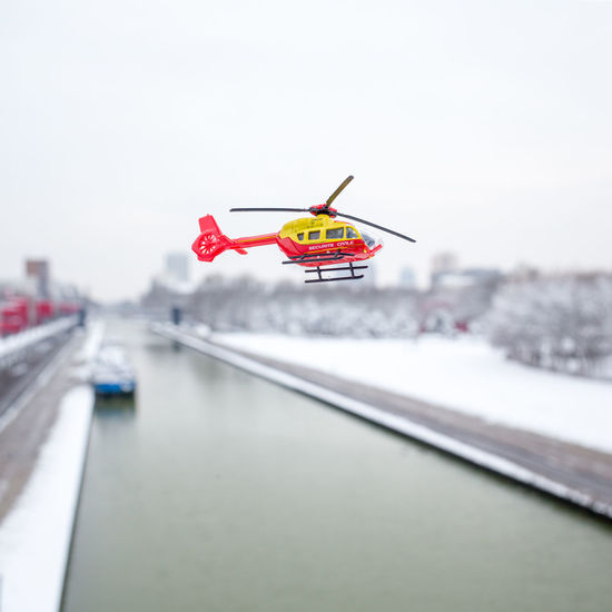 sécurité civile Helicopter MAJORETTE Discret Flying Winter Day Outdoors Nature No People Sky