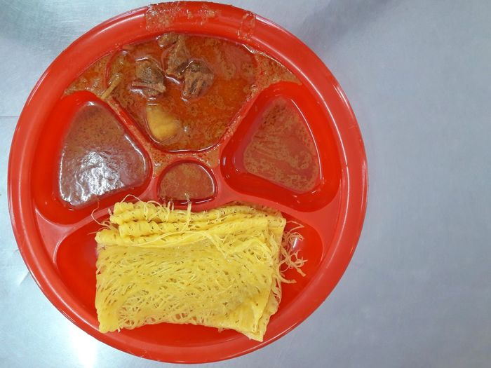 Roti Jala Food Traditional Beef Curry Gravy Plate Red Breakfast Serve Meal High Angle View Still Life Objects Close-up Ready-to-eat Freshness Delicious