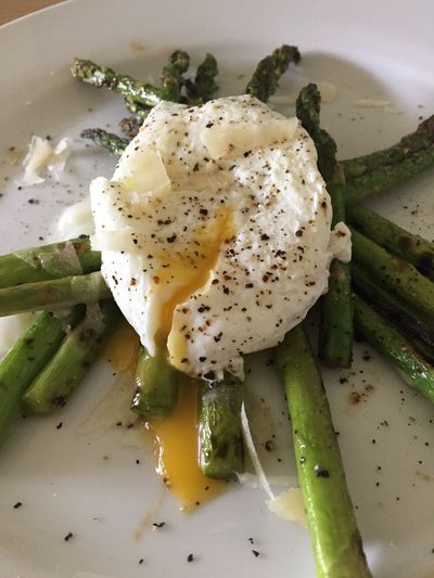 Sanding the spare room all morning then Chef BF pulls this out the bag! BOOM! Check This Out Egg Asparagus Food Foodporn Food Porn Foodphotography Food And Drink Manchego