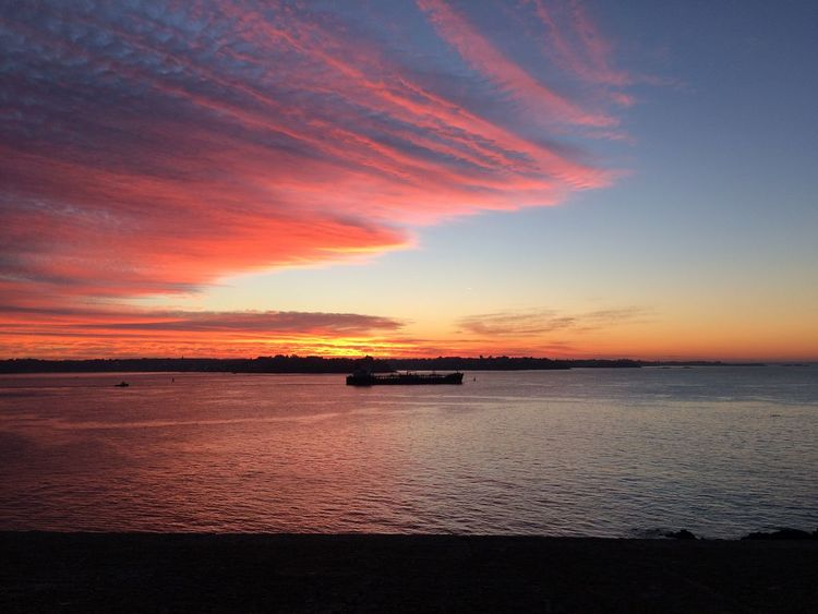 RedSky Beauty In Nature Cloud - Sky Coucher De Soleil Orange Color Reflection Sea Sky Sunset Transportation