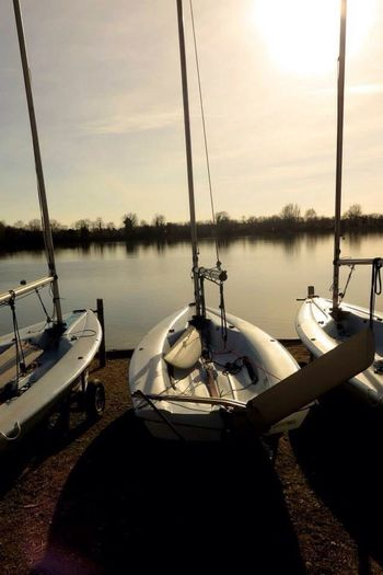 Sailboat Yacht Escape Adventure Waterside Boats⛵️ Sailing Club Sailing