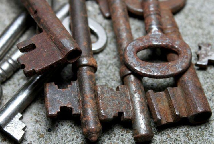 Close-Up Of Rusty Keys