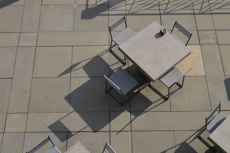 Architecture Shadow And Light Terrace Chairs Diagonals Table