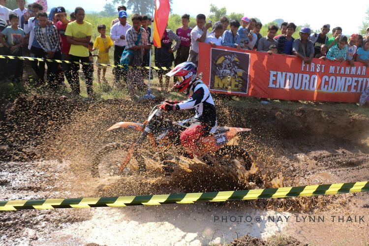 Bicker Sports Race ႀကိဳးစားၿပီးရုိက္ စိတ္ႀကိဳက္မရေသးဘူး