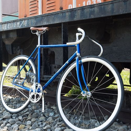 Spiral Chrome Blue ! ➡️http://www.passense-cycle.com Fixedgear Fixedfreestyle Cycling Around Fixed Gear Cyclist OpenEdit Bikes Njs Cycling Fixie