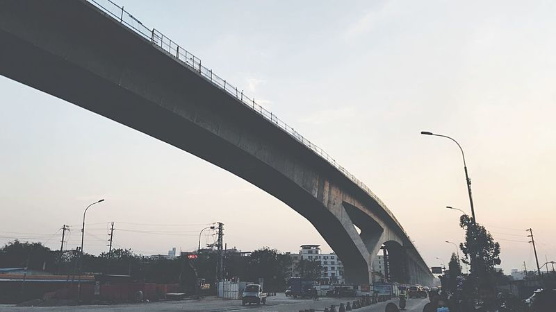 桥 Transportation Bridge - Man Made Structure Road Street Light Street Built Structure Land Vehicle City Life