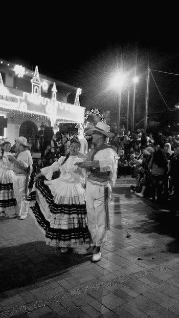 Baile Tocancipa Cundinamarca Colombia ♥  Bailetipico NAVIDAD2015 Alumbrado