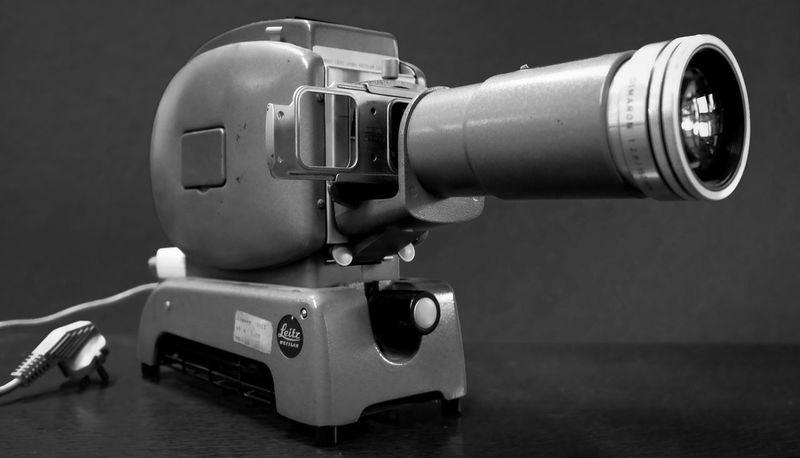 Diaprojektor Slide Projector Leitz Wetzlar Prado Monochrome Blackandwhite Black & White FujiX100T Fujifilm Showcase: February