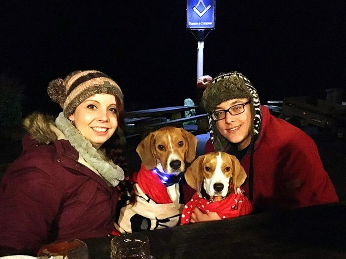 Two dogs and their humans! Family Christmas Dog People Pets Outdoors Beaglelife Happy Beagles Of Eyyem Dog Lover Taking Photos Dog Photography Beagleworld Domestic Animals Photooftheday Photography Love Beagleoftheday Beaglelovers PicturePerfect Tricolour White Winter