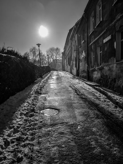 Www.tomaszkucharski.com.pl Outdoors Cold Temperature Winter Huawei Zima No People Ice Snow Street Blackandwhite City City Street Old Buildings Old Town Old City Walls