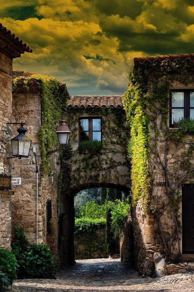 Salida Peratallada Ciudad Rural Arquitectura España🇪🇸 Cataluña Medieval Arco Turismo Edificios Y Fachadas