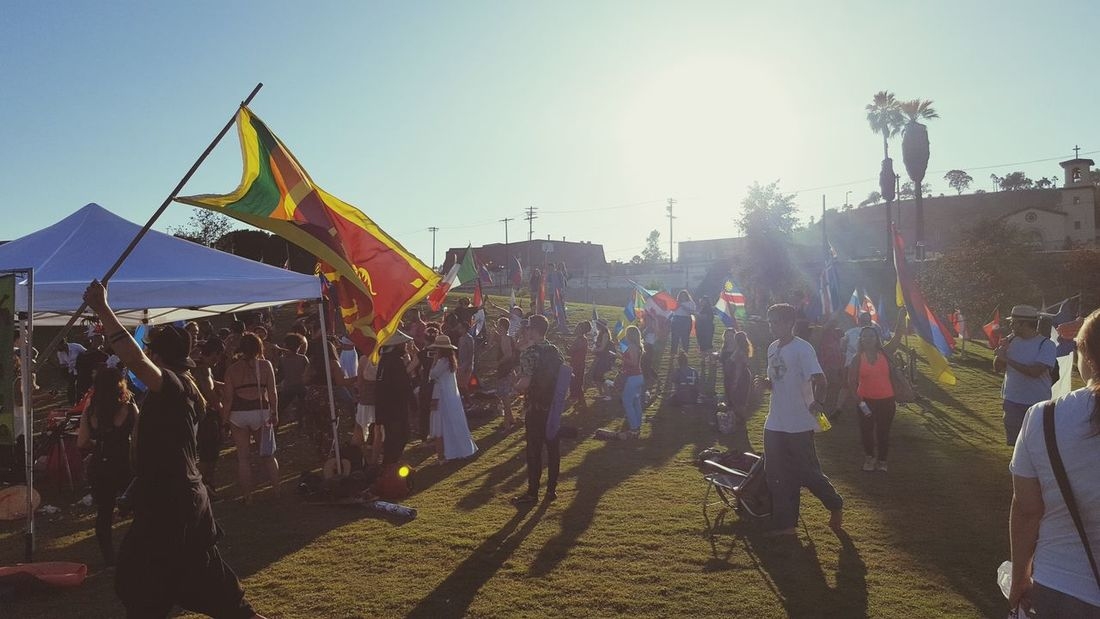 Drum Circle Venice Drum Circle Vegan Mass Meditation Initiative Sommergefühle Flags International Paint The Town Yellow