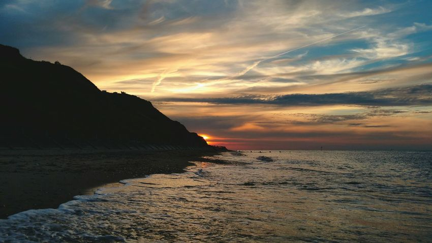 ... running towards the Sunset ... Norfolk Beach Sea Summer Wadding Evening Shore Cliffs Mundesley Playa Закат пляж Море