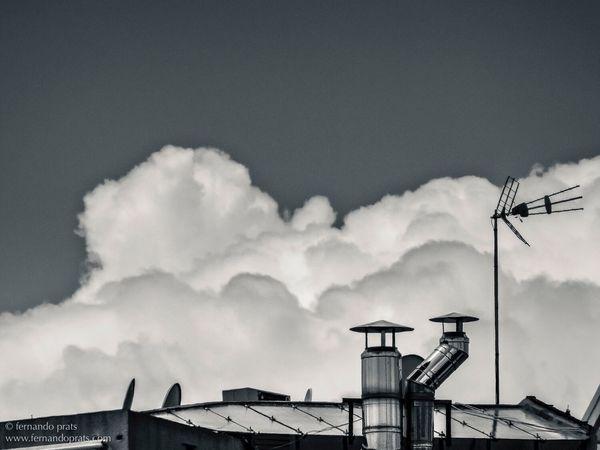 Clo. Cloud - Sky Sky No People BYOPaper! Shadows & Lights Barcelona Light And Shadow Creative Light And Shadow
