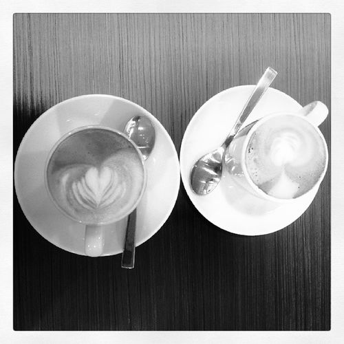 """A cuppa, 2 cuppa at @decontisg always makes our day"" ^^b"