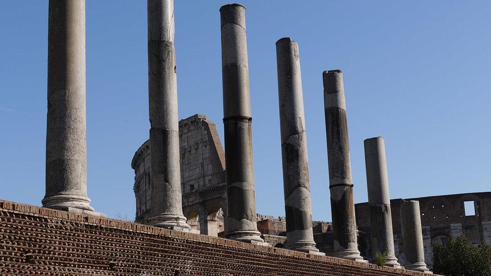 Architectural Column Architecture MMDCCLXIX Dies Natalis - 2769° Natale Di Roma. 21 - 24 Aprile 2016Colosseo Via Sacra