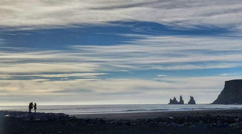 Iceland Izland Silhouette Ocean View Vik Trolls Rocks Cloudporn Oceanporn Couple Iloveiceland Beach Atlantic Ocean