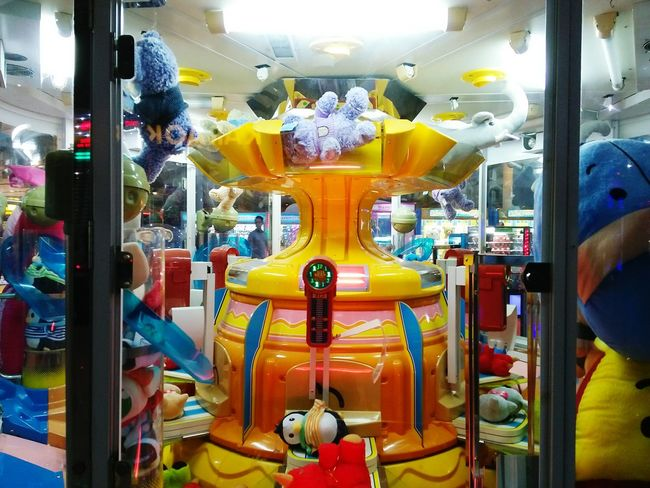 Indoors  No People Statue Doll Leisure Activity Game Competition Colorful Multi Colored Light Gamezone KidZone Paint The Town Yellow