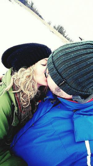 Amore Mio ❤ Neve Cold Winter ❄⛄ Fun Kisses Ti Amo❤ Piancavallo Very Italian People Faces Of EyeEm Hello World Vacanza <3