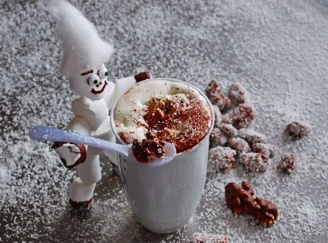 Art Foto Chocolate Time Close-up Day Drink Food And Drink Freshness Handmade By Me High Angle View Indoors  Marshmellow Hot Chocolate Mixing No People Nuts Sweets Walnuts
