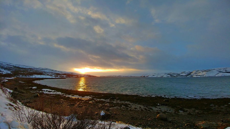 Cold paradise Beach Bjørnevatn Cloud - Sky Cold Temperature Day Europe Finnmark Fjord Holidays Horizon Over Water Landscape Lg G5 Nature Norge Norway Outdoors Sky Snow Sun Sunlight Sunset Tranquil Scene Traveling Water Winter The Great Outdoors - 2017 EyeEm Awards
