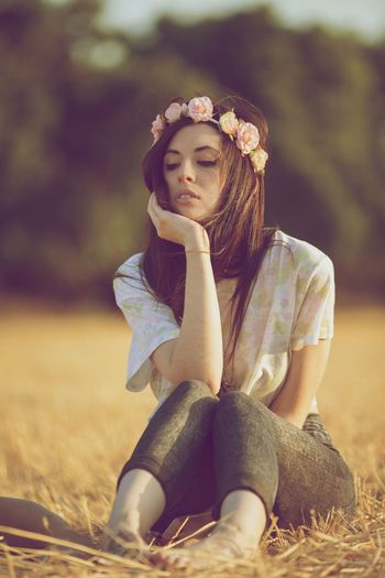 Vintage One Person Beauty Young Adult Tree Nature Beauty In Nature Day Vintage Girl