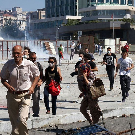 Occupygezi Teargas Running Fleeing protesters