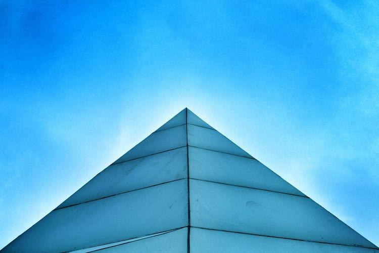 Pastel Power Critique Architecture