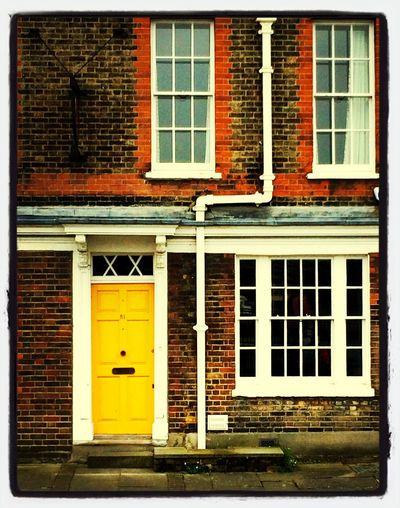 Urban Geometry Street Photography London The Illuminator - 2014 EyeEm Awards