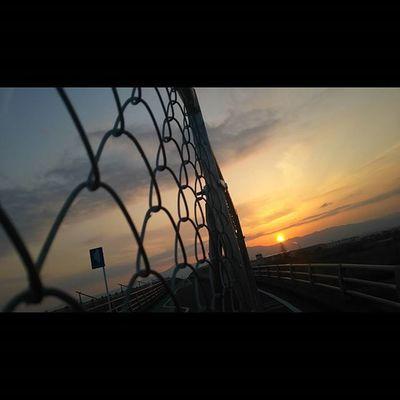 今日もおつかれさまでした。 空 Sky イマソラ Team_jp_ Japan Instagood 景色 Scenery 自然 Nature Icu_japan Ig_japan Jp_gallery Japan_focus Sunset Sunsets Sunsetlovers Skylovers Rebel_sky WORLD_BESTSKY Sun_sky_world Love_all_sky Total_sky Myskynow Sky_central ptk_skysky_capturesjj_skylove夕暮れダレカニミセタイソラ