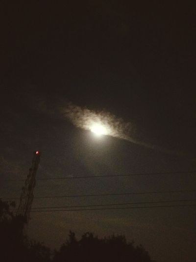 🌒 behind the ☁️ ☁️😜 Moto G4 Plus Moon Behind Clouds Night No People Low Angle View Illuminated Outdoors Sky Astronomy