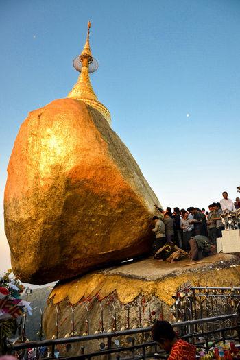 Birmania Burma Golden Rock Golden Rock Pagoda Myanmar Myanmar View Myanmarphotos Pagoda Pagodas Sunrise
