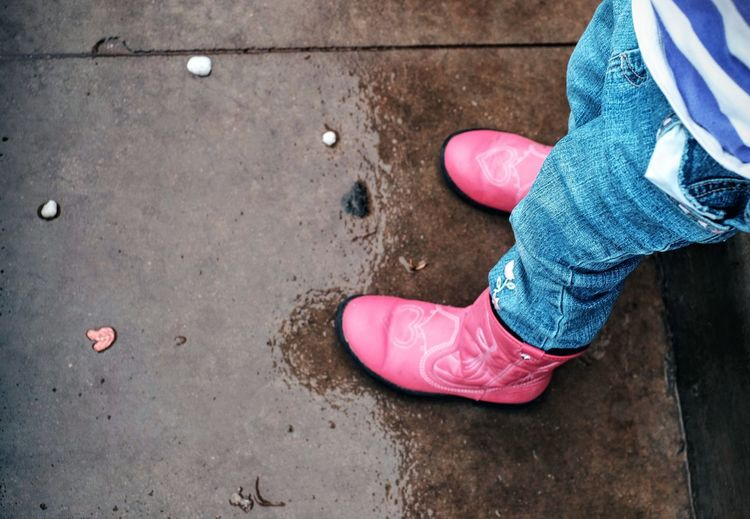 Americans Boots Camera Work Carnival Of Feet Casual Clothing Childhood Cowboyboots Family Fashion Feet Feet On The Ground Foot Photography Footwear Ground Kids Photo Essay Pink Color Project Rainy Shoes Sidewalk The Street Photographer - 2017 EyeEm Awards