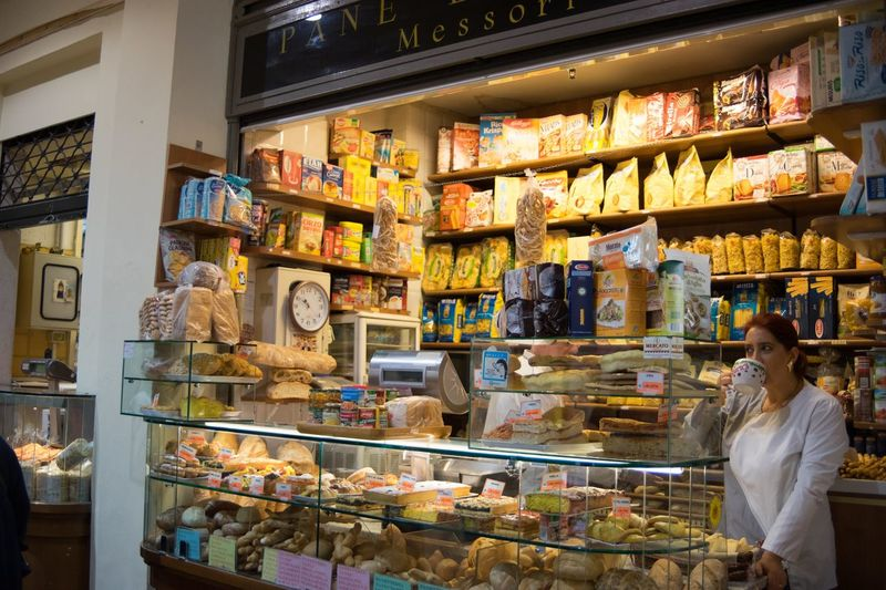 Panetteria Bread Bakery Shelf Retail  Store Variation Indoors  Large Group Of Objects Business Stories Food And Drink Women Business Supermarket Food Customer