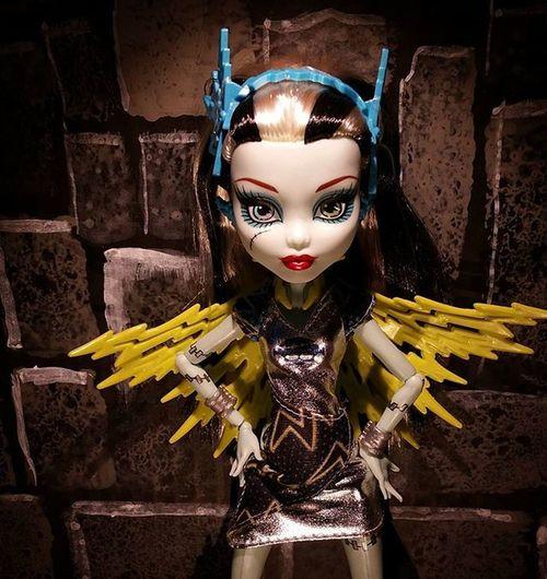 Powerghouls FrankieStein as Voltageous ... Shockingly serious looking... ************** Doll Dolls Dollstagram DollPhotography Dollphotogallery Dollphoto Toy Toys Toyphotography Toyphotogallery Toycrewbuddies Toyplanet Toygroup_alliance Toys4life Toyrevolution Toyunion Ata_dreadnoughts Monsterhigh Monsterhighdolls Monster_High Mattel superhero superheroine