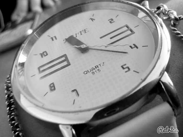 Time Is Running Out Black & White Hello World What I See ... Enjoying Life Years And Years Darkness And Light From My Point Of View It's Time For Someone To Do Something It's Time!